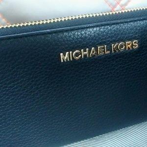 Mk Michael Kors wallet